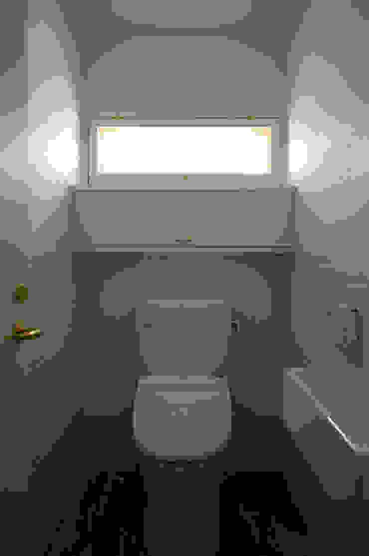 トイレ クラシックスタイルの お風呂・バスルーム の 小林良孝建築事務所 クラシック