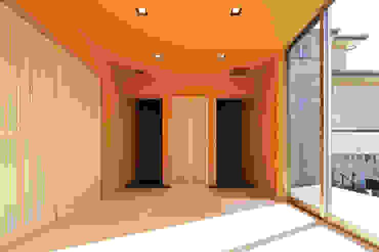 和室 モダンな 壁&床 の 猪股浩介建築設計 Kosuke InomataARHITECTURE モダン 無垢材 多色