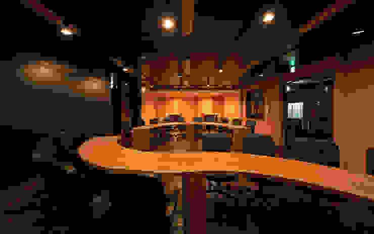 会議室2 モダンデザインの 書斎 の 猪股浩介建築設計 Kosuke InomataARHITECTURE モダン 木 木目調
