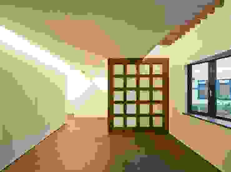 星設計室 Modern Living Room Wood Brown