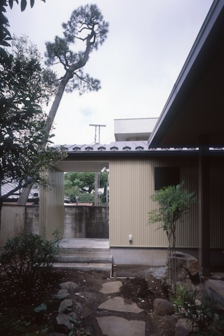 Modern Houses by 株式会社伏見屋一級建築士事務所 Modern