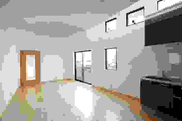 Modern Media Room by 株式会社伏見屋一級建築士事務所 Modern
