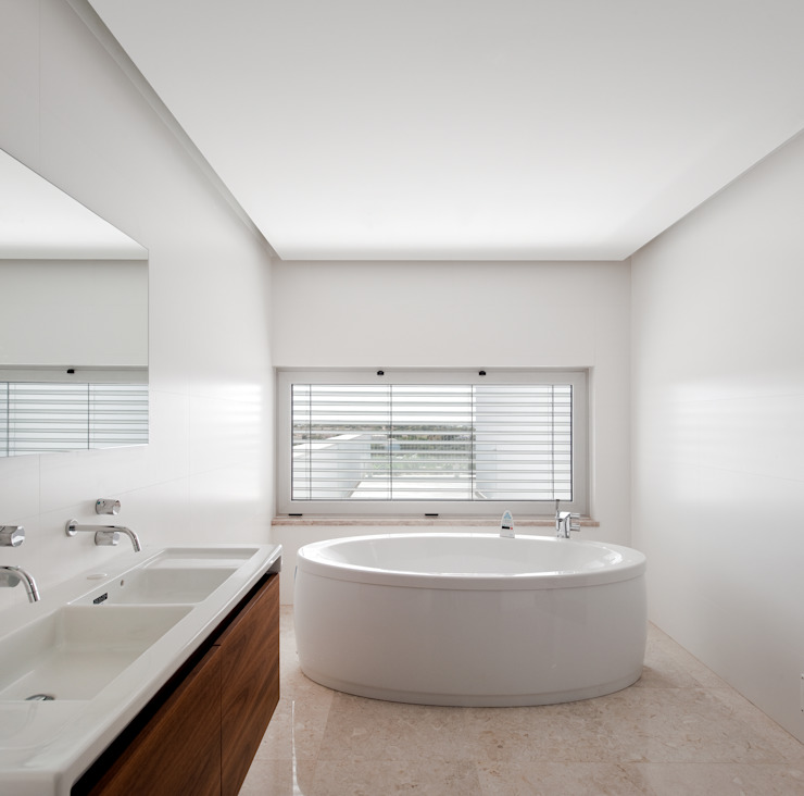 MOM - Atelier de Arquitectura e Design, Lda Modern Bathroom