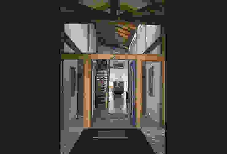 RESIDÊNCIA AG Corredores, halls e escadas rústicos por MADUEÑO ARQUITETURA & ENGENHARIA Rústico