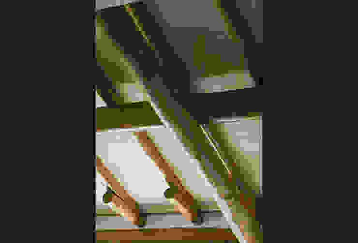 RESIDÊNCIA AG Paredes e pisos rústicos por MADUEÑO ARQUITETURA & ENGENHARIA Rústico Madeira Efeito de madeira