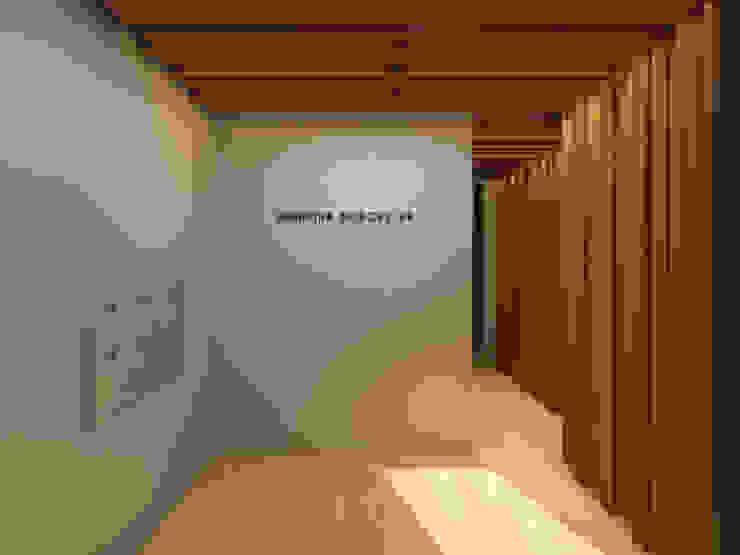 Entrance Hall Corredores, halls e escadas minimalistas por Lagom studio Minimalista Madeira Acabamento em madeira