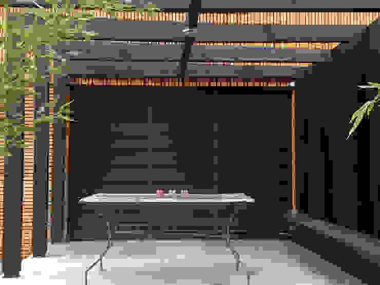 โดย FAVRE LIBES Architectes โมเดิร์น ไม้ Wood effect