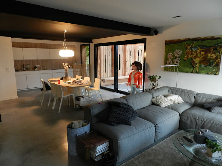 Living room by FAVRE LIBES Architectes,