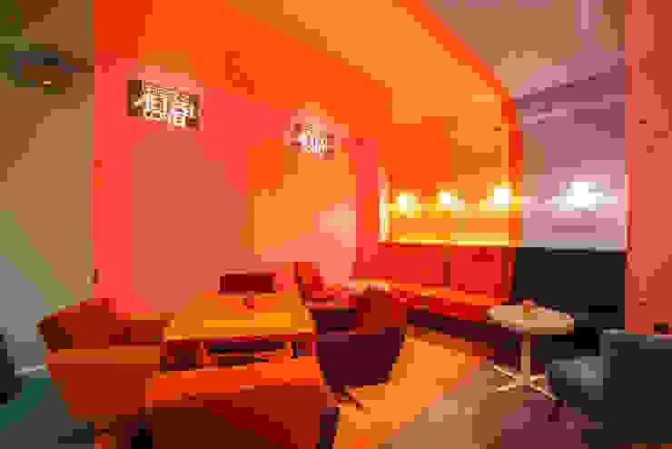 Fotografia sali na poziomie -1 od KOLORAMA Nowoczesny