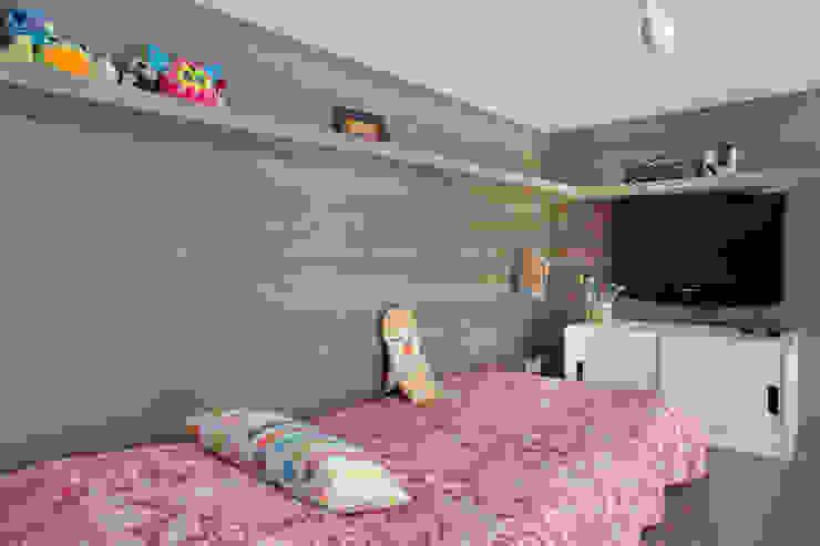 Apartamento Cool Quarto infantil moderno por Carolina Mendonça Projetos de Arquitetura e Interiores LTDA Moderno