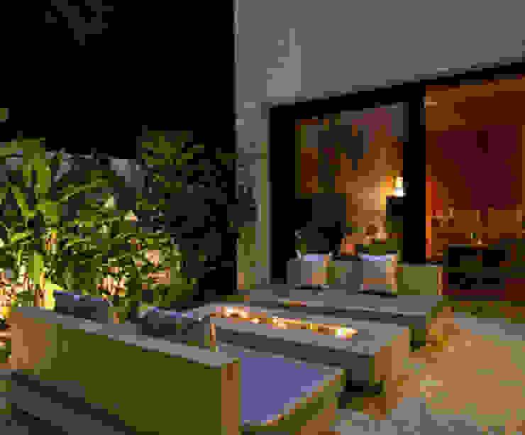 Chodha Residence Modern balcony, veranda & terrace by Sanctuary Modern