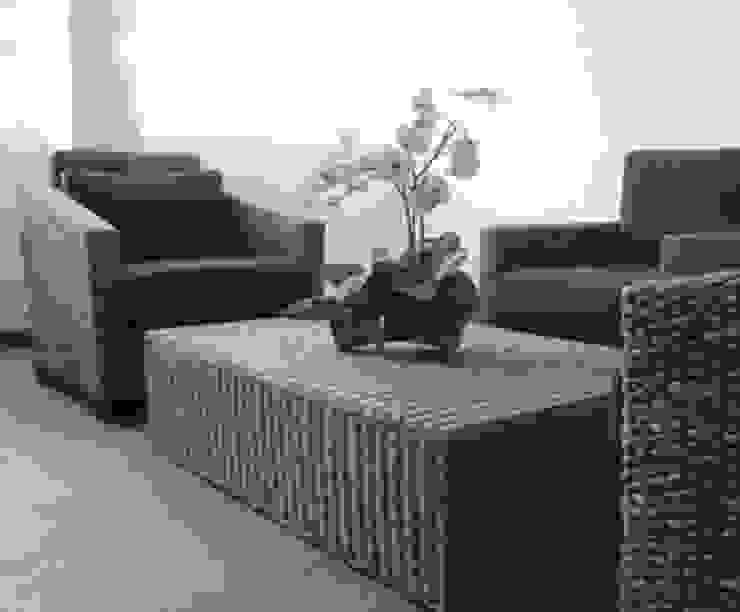 Shanmugham Residence Modern living room by Sanctuary Modern