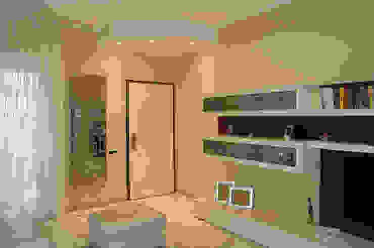 Rosa Gorgoglione Architetto Mediterranean corridor, hallway & stairs