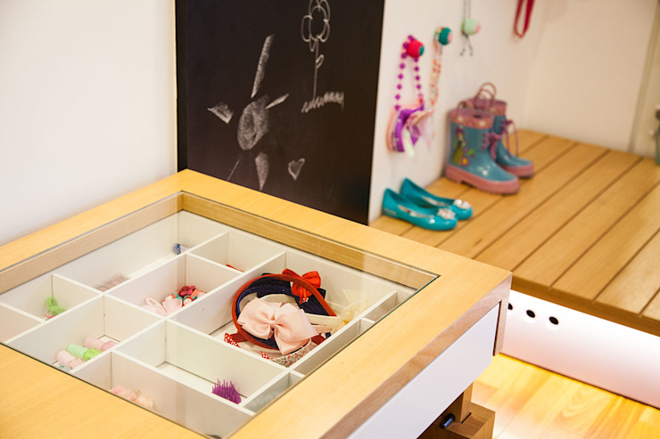 Nursery/kid's room by Hana Lerner Arquitetura, Modern