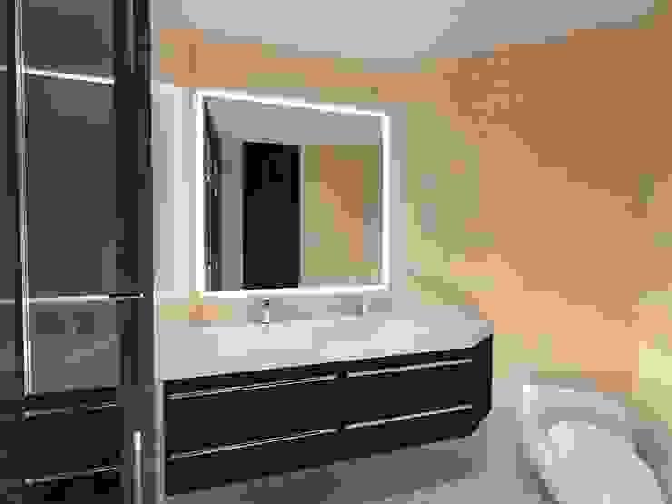 Baño Principal Baños de estilo minimalista de Vowen Minimalista