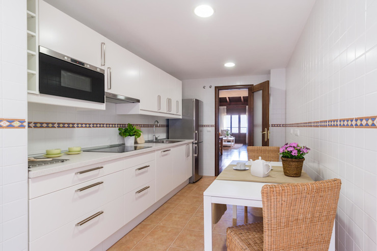 HOME STAGING ALQUILER Cocinas de estilo escandinavo de Become a Home Escandinavo