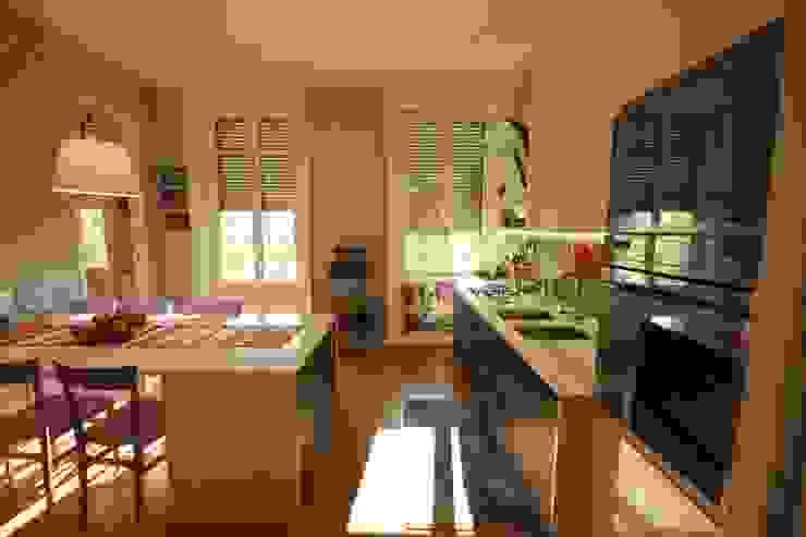 Cucina Cucina moderna di studiodonizelli Moderno