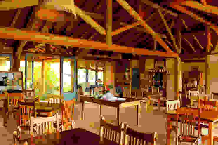 Refeitório Salas de jantar rústicas por MADUEÑO ARQUITETURA & ENGENHARIA Rústico