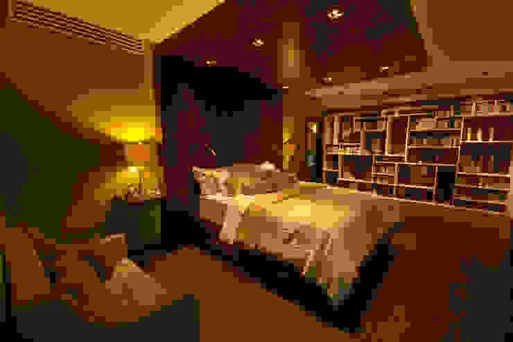 Bedroom by Lo Interior, Eclectic