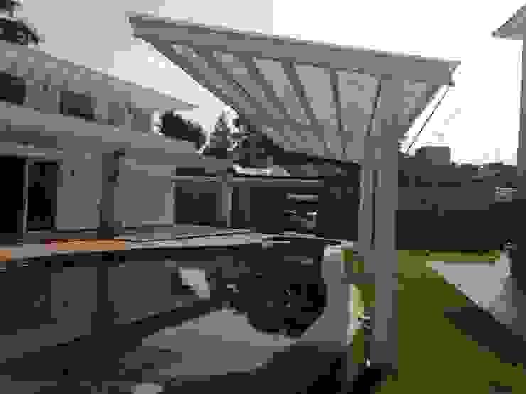 Moderne Pools von CESAR MONCADA S Modern