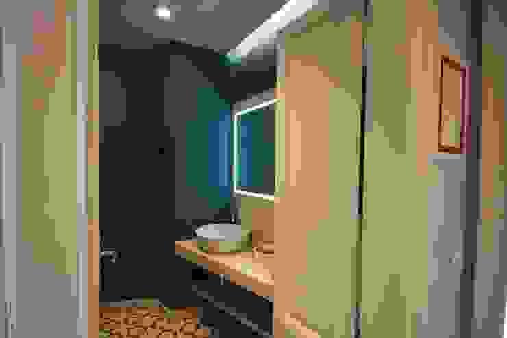 Modern Bathroom by studiodonizelli Modern Marble