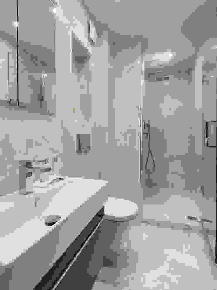 Bathroom Nowoczesna łazienka od The White House Interiors Nowoczesny