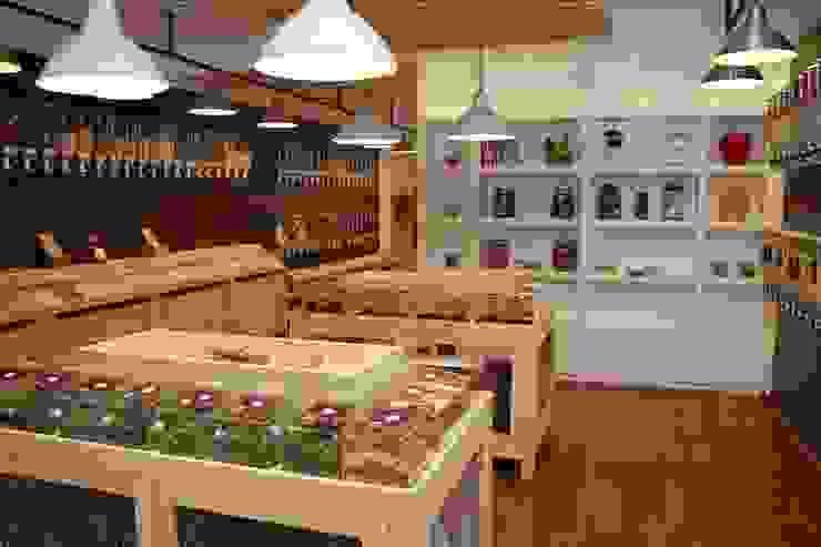 grocery store Espaços comerciais modernos por Palma Rato + Partners Moderno