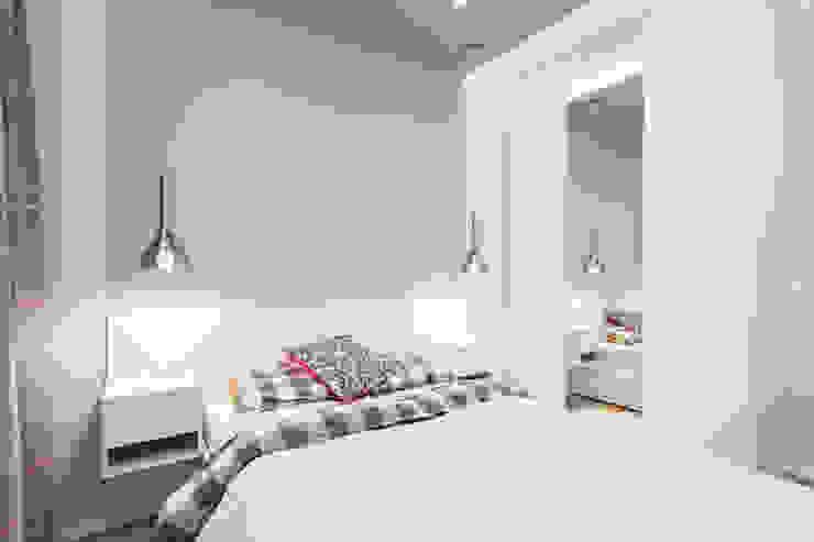 Mieszkanie na warszawskim Mokotowie Nowoczesna sypialnia od Michał Młynarczyk Fotograf Wnętrz Nowoczesny