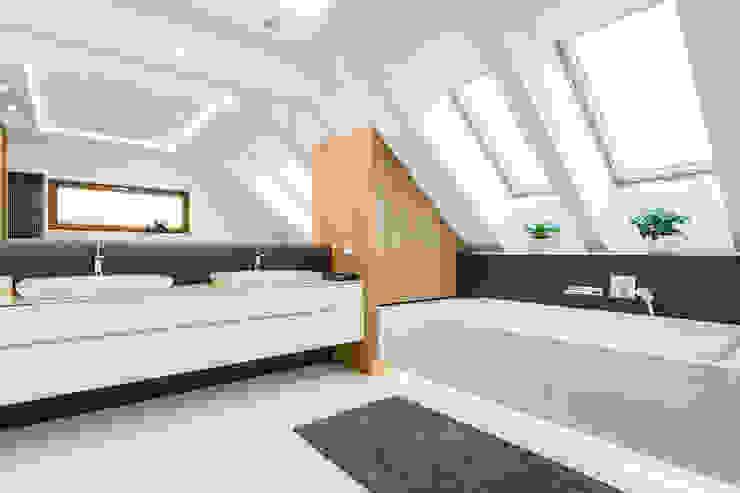 Moderne badkamers van Michał Młynarczyk Fotograf Wnętrz Modern