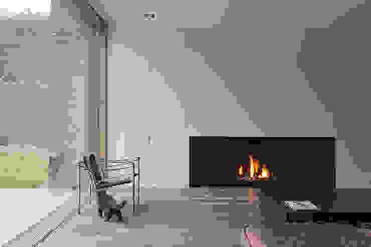 Lareiras Metalfire - Urban Gás (Sem Vidro) Salas de estar minimalistas por Biojaq - Comércio e Distribuição de Recuperadores de Calor Lda Minimalista