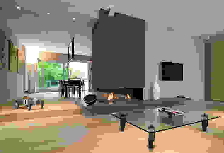 Living room by Biojaq - Comércio e Distribuição de Recuperadores de Calor Lda, Minimalist