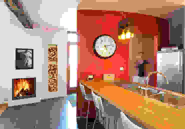 Phenix 75Green - Bodart&Gonay: Cozinhas  por Biojaq - Comércio e Distribuição de Recuperadores de Calor Lda,Moderno