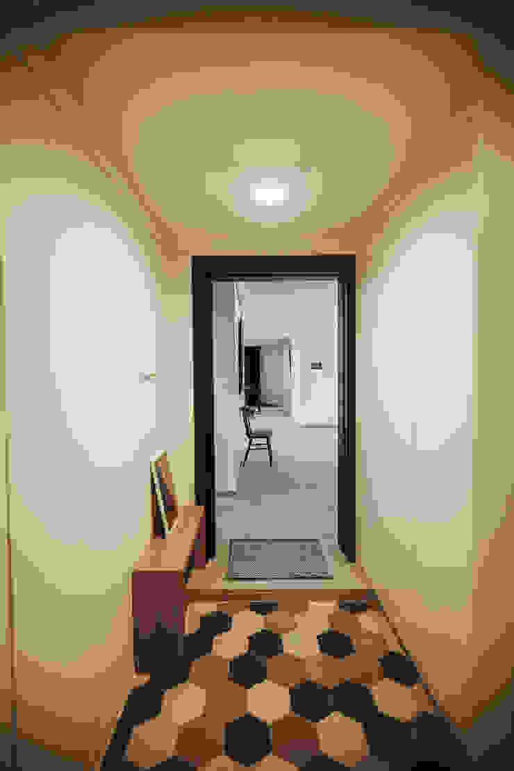 Modern Terrace by 샐러드보울 디자인 스튜디오 Modern