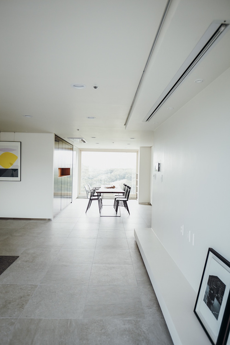 Modern Living Room by 샐러드보울 디자인 스튜디오 Modern