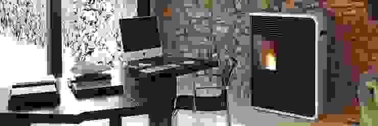 Salas multimedia de estilo ecléctico de Biojaq - Comércio e Distribuição de Recuperadores de Calor Lda Ecléctico