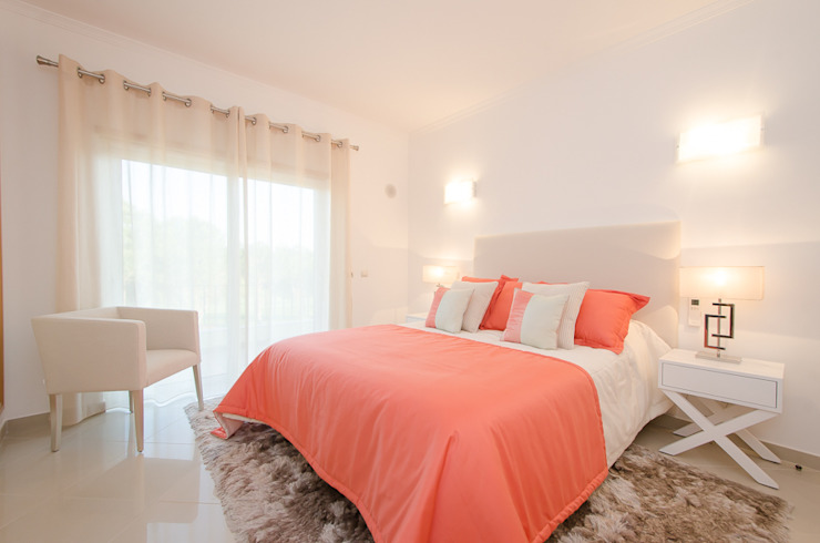 Private Interior Design Project - Vilamoura:   por Simple Taste Interiors,Moderno