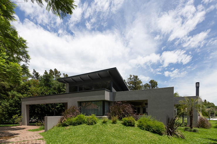 Modern houses by ARRILLAGA&PAROLA Modern