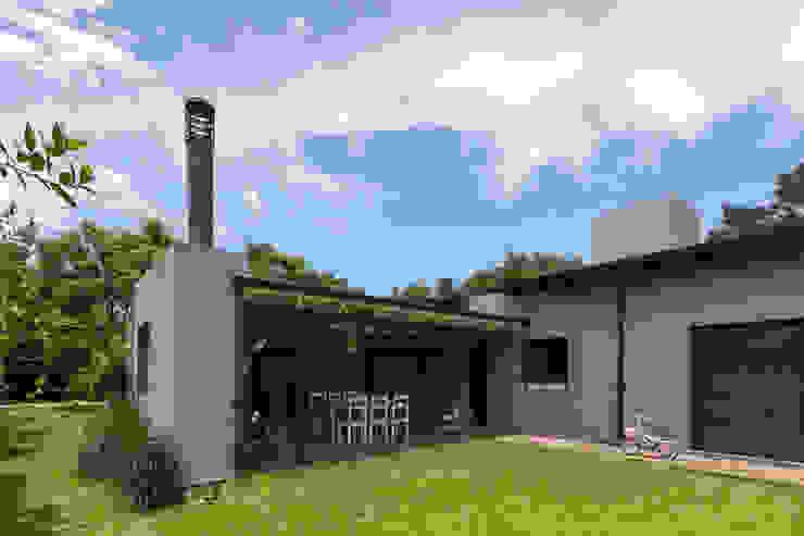Casas modernas de ARRILLAGA&PAROLA Moderno