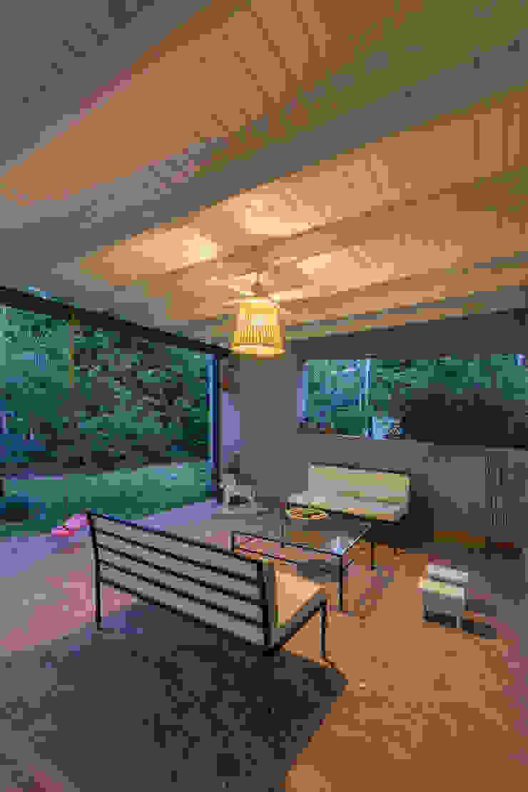 Jardines de estilo moderno de ARRILLAGA&PAROLA Moderno