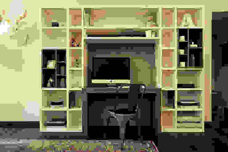 modern  by Galleria del Vento, Modern Wood Wood effect