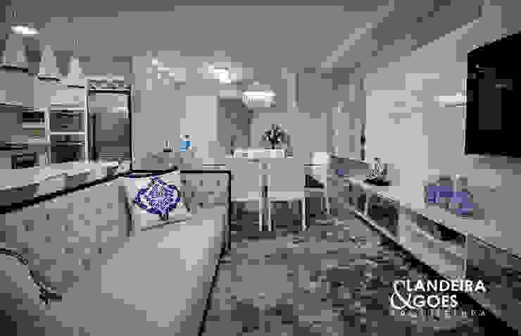 Apartamento Decorado – Balneário Camboriú Salas de estar modernas por Landeira & Goes Arquitetura Moderno