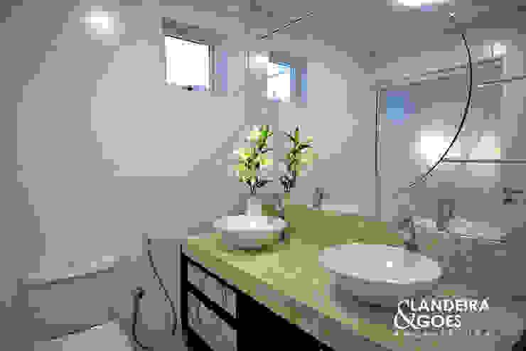 Apartamento Decorado – Balneário Camboriú Banheiros modernos por Landeira & Goes Arquitetura Moderno