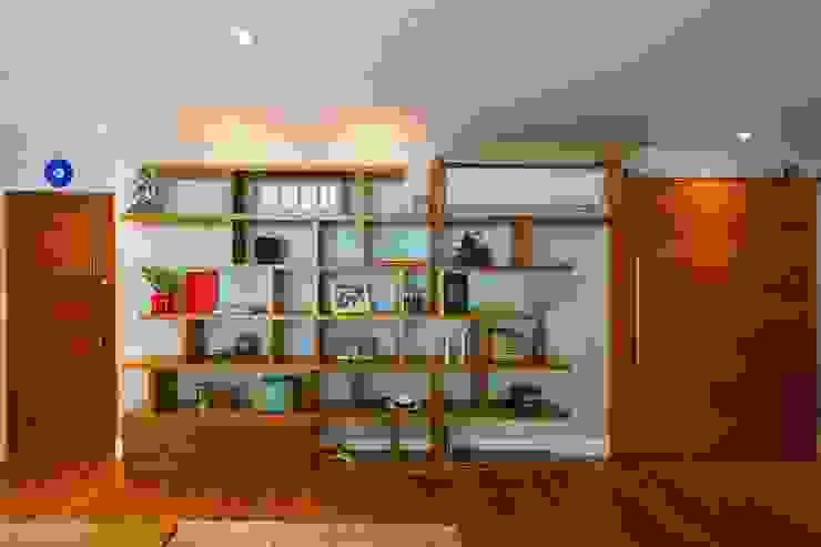 Estante cada coisa em seu lugar - ABERTA por Egg. Interiores Eclético Derivados de madeira Transparente