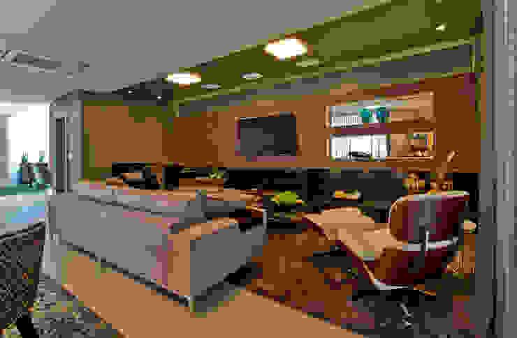 Sala multimediale in stile  di Espaço do Traço arquitetura