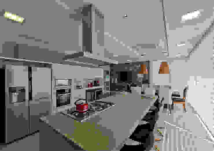 Cozinha Gourmet: Cozinhas  por Espaço do Traço arquitetura