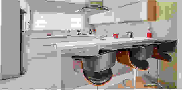 Projekty,  Kuchnia zaprojektowane przez Angelica Pecego Arquitetura, Nowoczesny