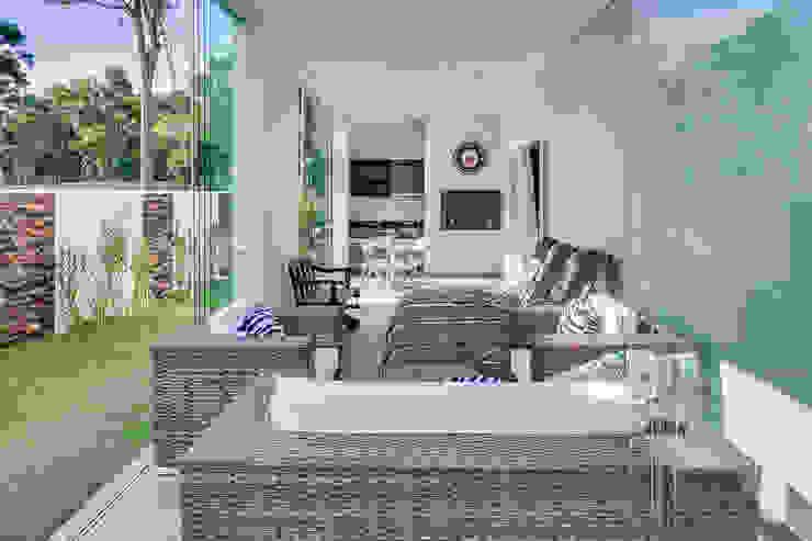 RJR Varandas, alpendres e terraços modernos por Angelica Pecego Arquitetura Moderno