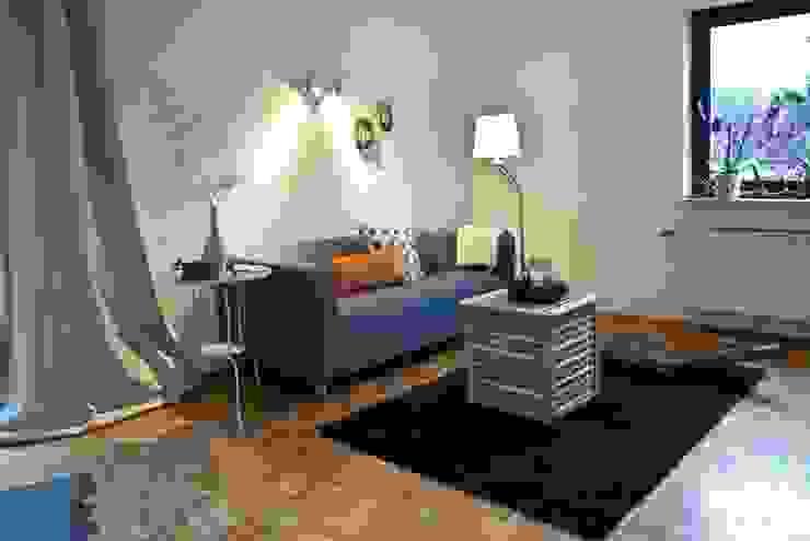Wohnzimmer nachher von Raumpraesenz-Homestaging Landhaus