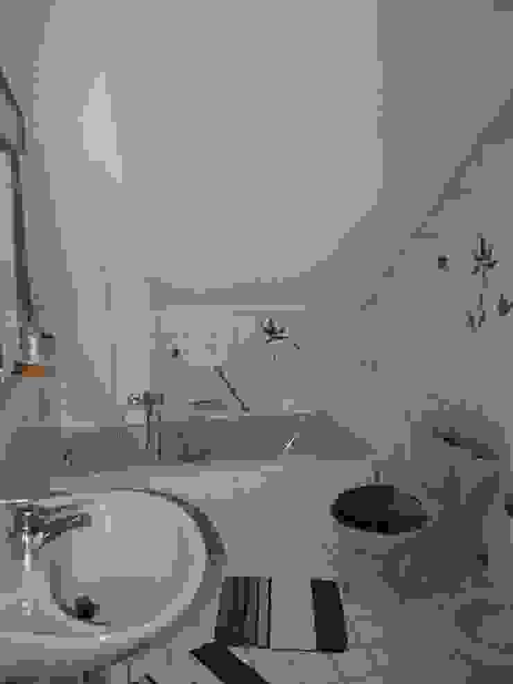 Badezimmer vorher von Raumpraesenz-Homestaging Landhaus