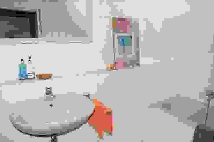 Badezimmer nachher von Raumpraesenz-Homestaging Landhaus